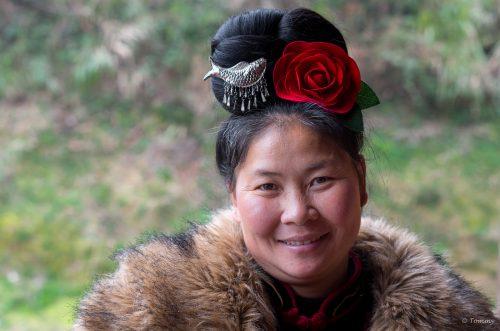 Frau mit Rose, Langde/China