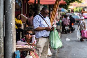 Langeweile, Lotterieverkäuferin, Straße, Bangkok, Thailand